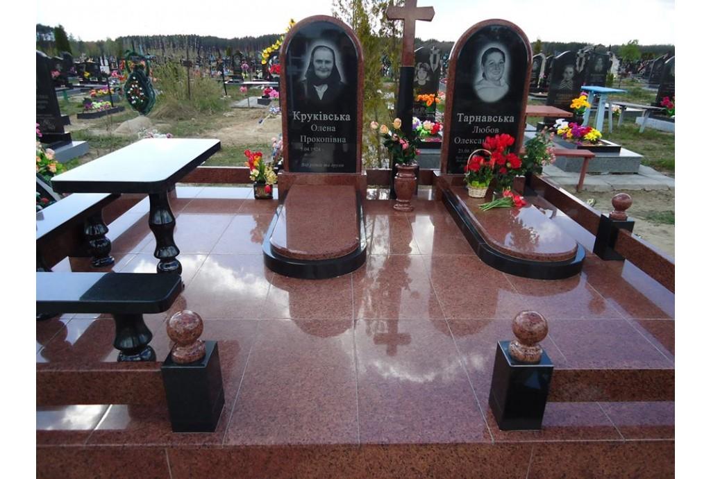 Мемориальный комплекс для двоих - июнь, 2019 года, г. Киев